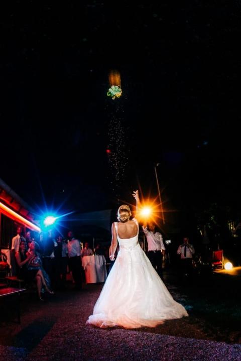 Der Brautstraußwurf