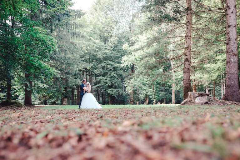 Hochzeitspaar im Waldhaus zur alten Tram