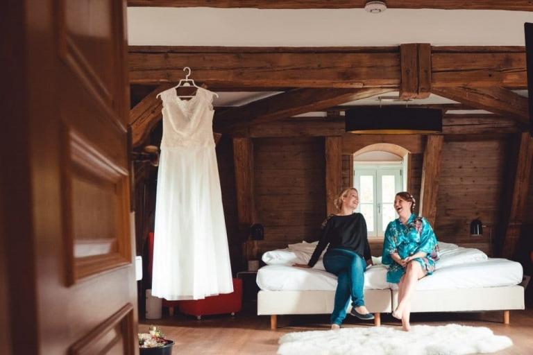 Braut beim Getting im Schloß Hohenkammer